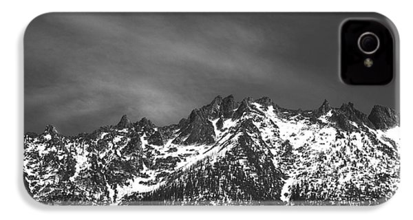 IPhone 4s Case featuring the photograph North Cascade Mountain Range by Yulia Kazansky