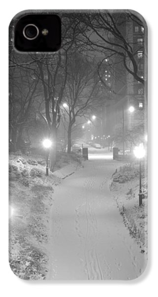 IPhone 4s Case featuring the photograph Night Storm New York by Dave Beckerman