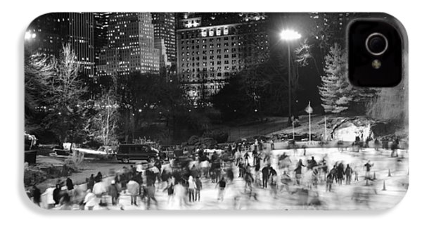 New York City - Skating Rink - Monochrome IPhone 4s Case by Dave Beckerman