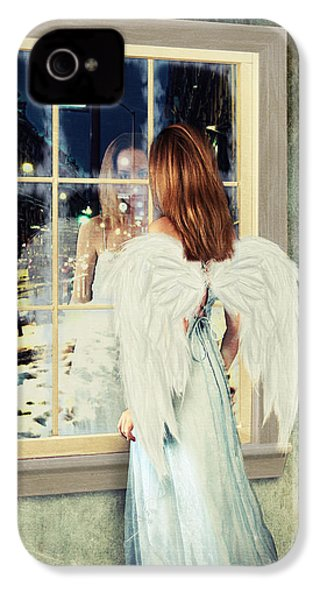 Too Cold For Angels IPhone 4s Case by Linda Lees
