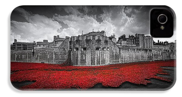 Tower Of London Remembers IPhone 4s Case by Ian Hufton