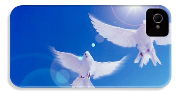 Two Doves Side By Side With Wings IPhone 4s Case by Panoramic Images