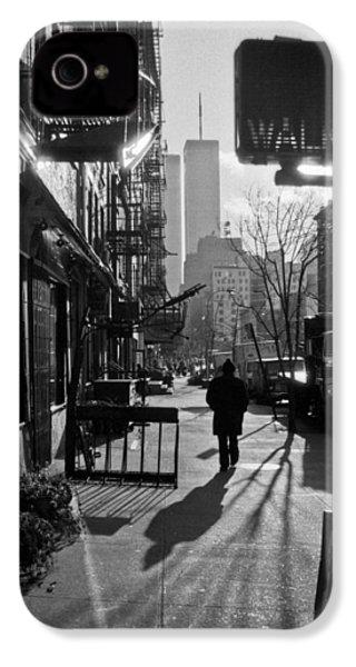 Walk Manhattan 1980s IPhone 4s Case by Gary Eason