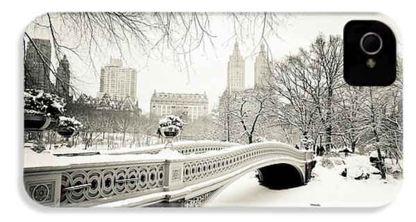 Winter's Touch - Bow Bridge - Central Park - New York City IPhone 4s Case by Vivienne Gucwa