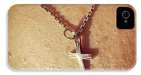 Necklace With Cross - Skin With Waterdrops IPhone 4s Case