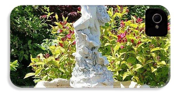 {canon 550d #decorative #statue IPhone 4s Case by Paul Petey