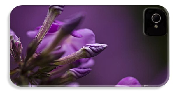 Lilac Spirals. IPhone 4s Case by Clare Bambers