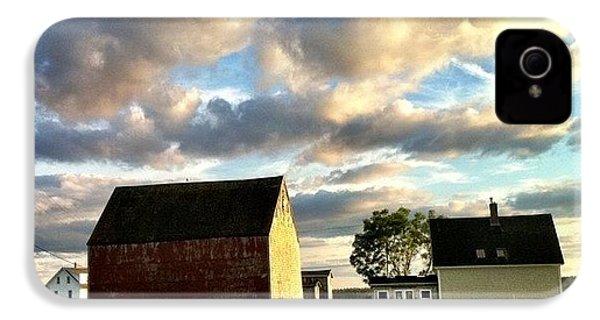 Little Tancook Island Farmhouse IPhone 4s Case by Luke Kingma