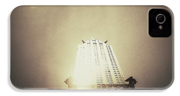 The Chrysler Building - New York City IPhone 4s Case