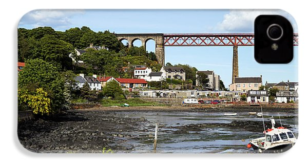 IPhone 4s Case featuring the photograph North Queensferry by Jeremy Lavender Photography