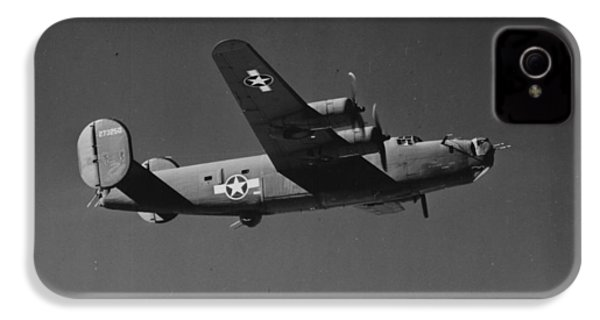 Wwii Us Aircraft In Flight IPhone 4s Case by American School