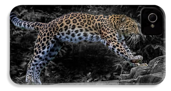 Amur Leopard On The Hunt IPhone 4s Case by Martin Newman