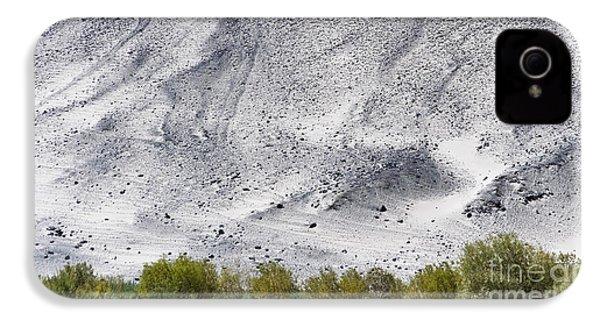 Backdrop Of Sand, Chumathang, 2006 IPhone 4s Case by Hitendra SINKAR
