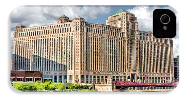IPhone 4s Case featuring the painting Chicago Merchandise Mart by Christopher Arndt