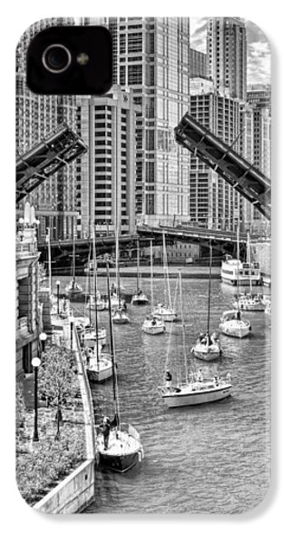 IPhone 4s Case featuring the photograph Chicago River Boat Migration In Black And White by Christopher Arndt