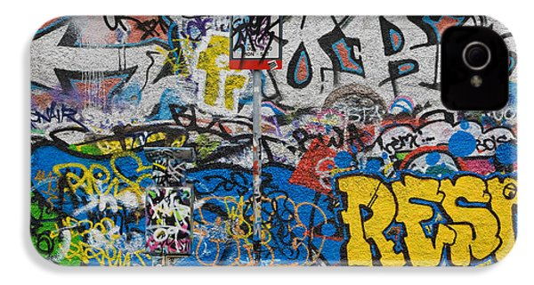 Grafitti On The U2 Wall, Windmill Lane IPhone 4s Case by Panoramic Images