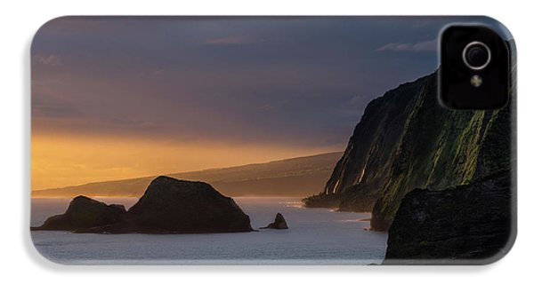 Hawaii Sunrise At The Pololu Valley Lookout IPhone 4s Case by Larry Marshall