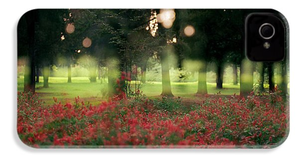 IPhone 4s Case featuring the photograph Impression At The Yarkon Park by Dubi Roman