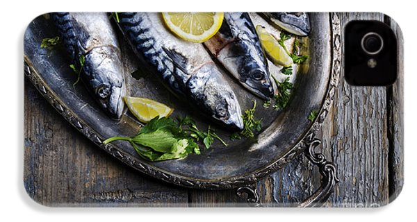 Mackerels On Silver Plate IPhone 4s Case