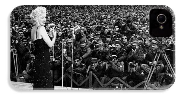 Marilyn Monroe Entertaining The Troops In Korea IPhone 4s Case