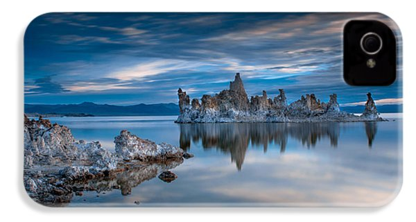 Mono Lake Tufas IPhone 4s Case by Ralph Vazquez