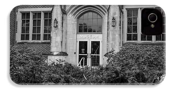 Msu Museum Black And White  IPhone 4s Case by John McGraw