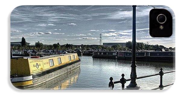 Narrowboat Idly Dan At Barton Marina On IPhone 4s Case