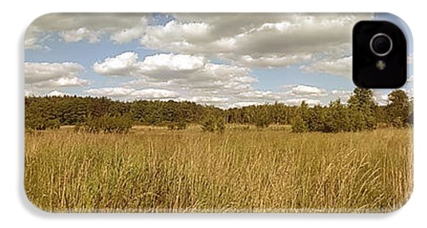 Natural Meadow Landscape Panorama. IPhone 4s Case