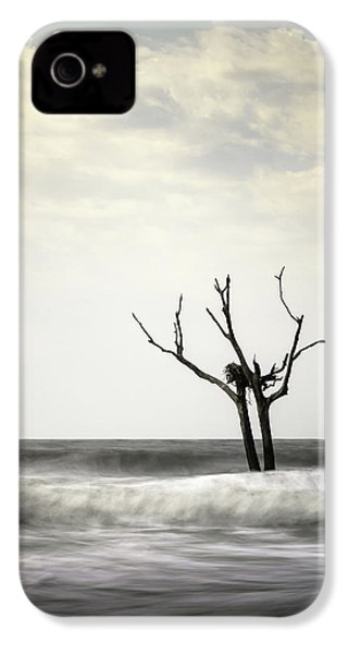Nesting IPhone 4s Case by Ivo Kerssemakers