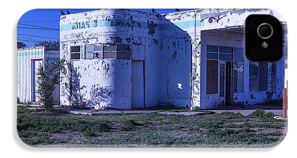 Old Run Down Gas Station IPhone 4s Case by Garry Gay