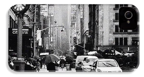 Rain - New York City IPhone 4s Case by Vivienne Gucwa
