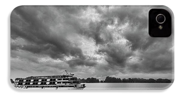 IPhone 4s Case featuring the photograph Rainy Day Cruise by Hitendra SINKAR