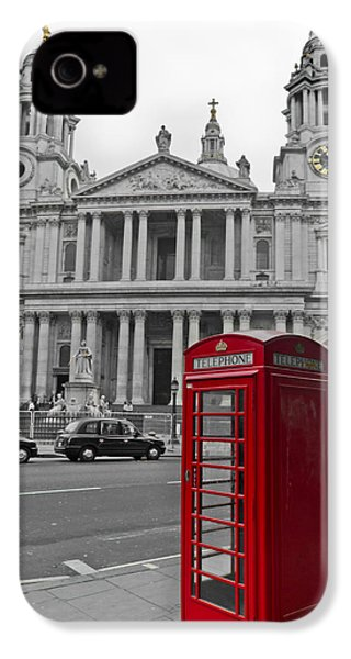 Red Telephone Boxes In London IPhone 4s Case by Gary Eason