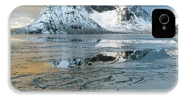 Reine, Lofoten 5 IPhone 4s Case by Dubi Roman