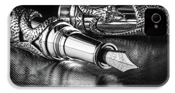 Snake Pen In Black And White IPhone 4s Case by Tom Mc Nemar