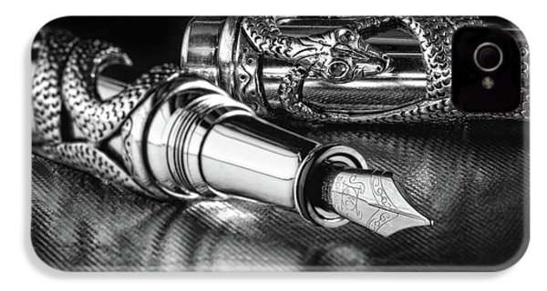 Snake Pen In Black And White IPhone 4s Case by Tom Mc Nemar
