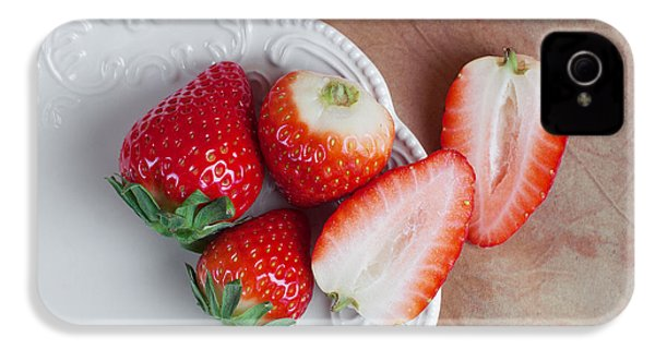 Strawberries From Above IPhone 4s Case by Tom Mc Nemar