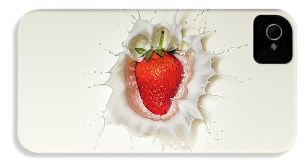 Strawberry Splash In Milk IPhone 4s Case