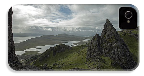 The Old Man Of Storr IPhone 4s Case by Dubi Roman