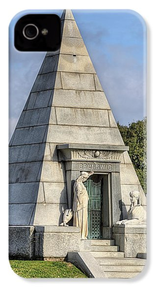 IPhone 4s Case featuring the photograph The Pyramid In Metairie Cemetery by JC Findley