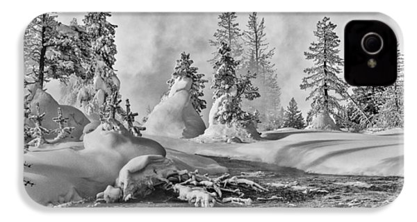 Yellowstone In Winter IPhone 4s Case by Gary Lengyel