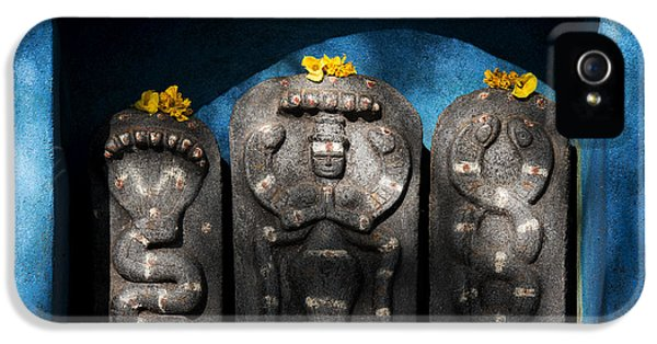 Rural Indian Hindu Shrine  IPhone 5 / 5s Case by Tim Gainey