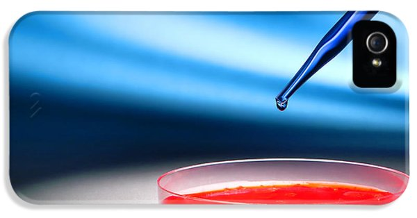 Biotechnology Experiment In Science Research Lab IPhone 5 Case by Olivier Le Queinec