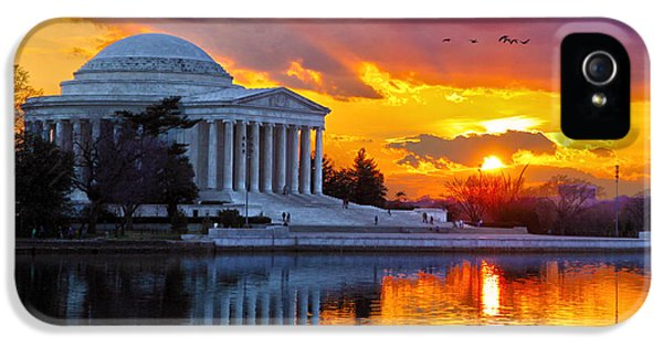 Jefferson Memorial iPhone 5 Case - Glow by Mitch Cat
