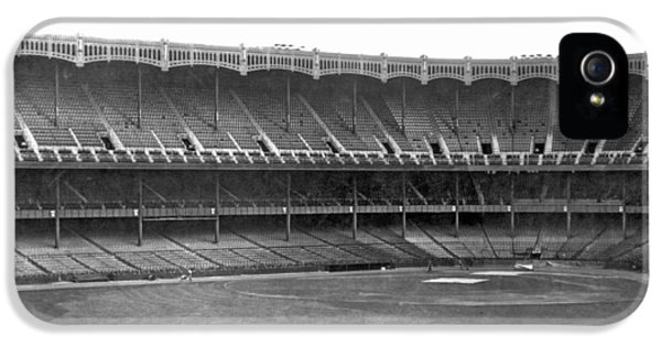 New Yankee Stadium IPhone 5 / 5s Case by Underwood Archives