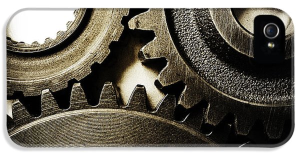 Cogs IPhone 5 Case by Les Cunliffe