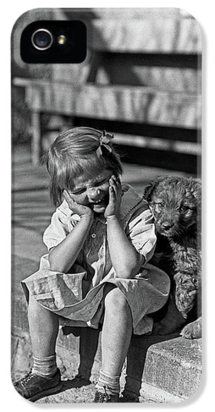 1930s Little Girl Sitting On Porch IPhone 5 Case