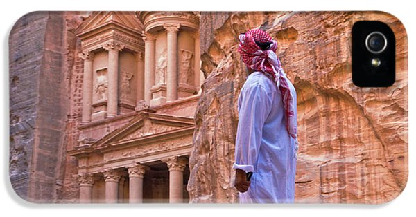 Arab Man Watching Facade Of Treasury IPhone 5 Case