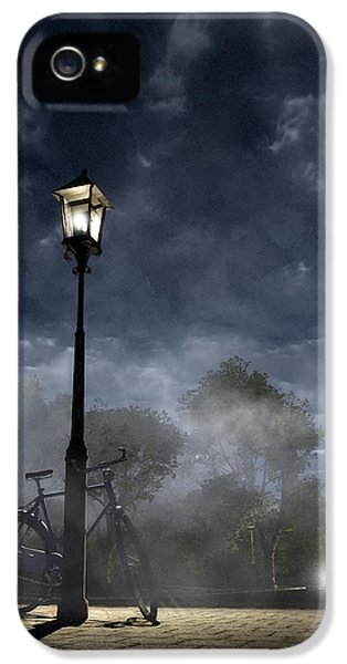 Ominous Avenue IPhone 5 Case by Cynthia Decker