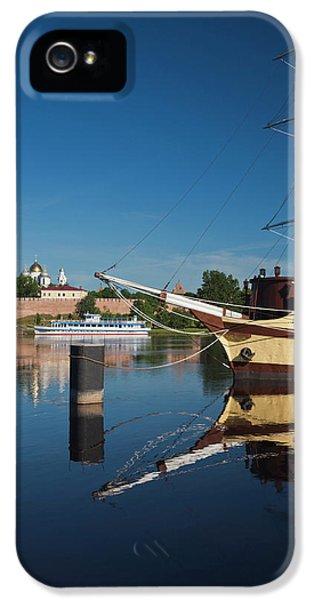 Russia, Novgorod Oblast, Veliky IPhone 5 Case by Walter Bibikow